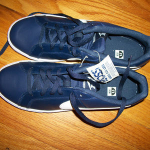 NWT MEn's sz 9.5 NIKE sneakers